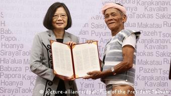 Taiwan Präsidentin Tsai Ing Wen Entschuldigung an die Aboriginies