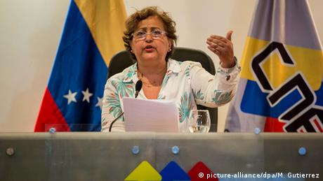 Venezuela Wahlen Tibisay Lucena (picture-alliance/dpa/M. Gutierrez)