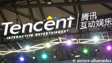 View of a signboard of Tencent Interactive Entertainment during the the 14th China Digital Entertainment Expo, also known as ChinaJoy 2016, in Shanghai, China, 28 July 2016. | picture-alliance/dpa