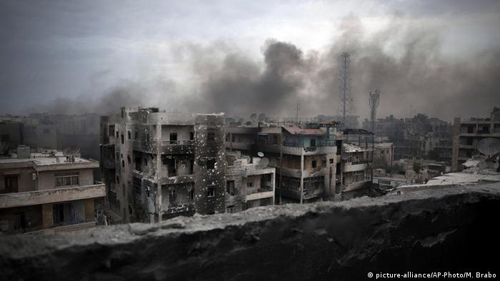 Syrien - Zerstörtes Aleppo 2016 (picture-alliance/AP-Photo/M. Brabo)
