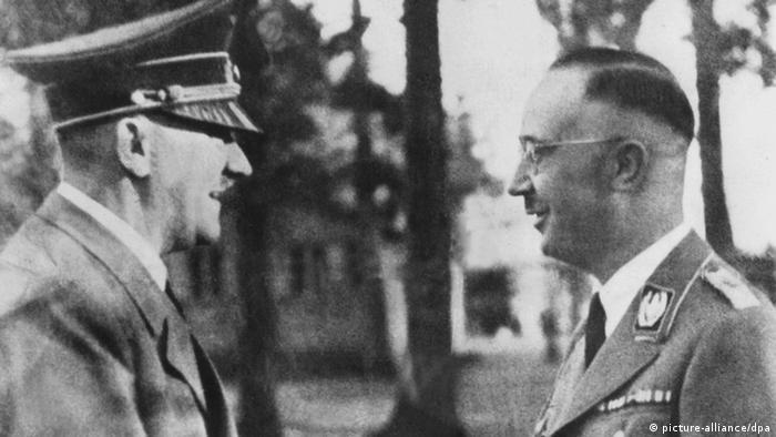 Винаги приключвам чак в 12 и 5. Думи на Адолф Хитлер, цитирани от вестник Фьолкишер Беобахтер на 10 ноември 1942. На снимката: Хитлер и Химлер през 1940 година.