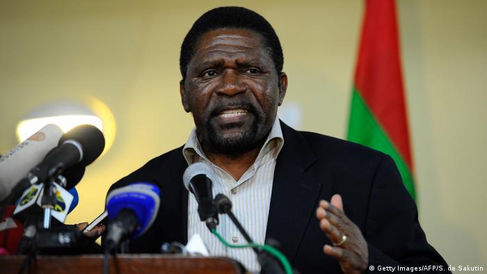 Isaías Samakuva manifestou total disponibilidade para trabalhar com MPLA na implementação de agenda nacional para a mudança efetiva do sistema