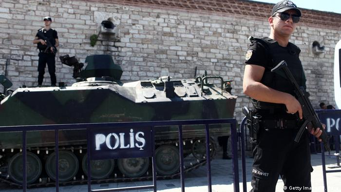 Türkei Polizei in Istanbul (Getty Images/B. Kara)