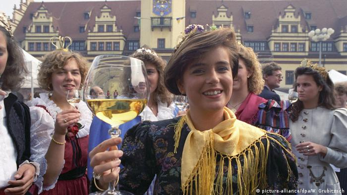 1991 German Wine Queen Birgit Schehl, Copyright: picture-alliance/dpa/W. Grubitzsch