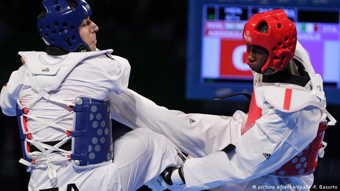 Taekwondo Alfaga Abdoulrazak (R)