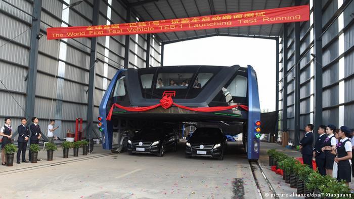 TEB-1 Bus China Peking Testfahrt