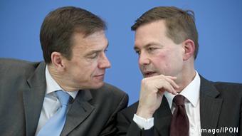 Deutschland Regierungssprecher Martin Schäfer und Steffen Seibert (imago/IPON)