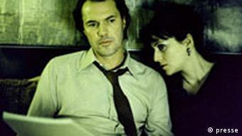 Das Leben der Anderen Georg Dreyman (Sebastian Koch) feiert seinen Geburtstag; rechts: Christa-Maria Sieland (Martina Gedeck).