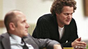 Am Filmset Das Leben der Anderen Florian Henckel von Donnersmarck (Regisseur) mit Ulrich Mühe (l)