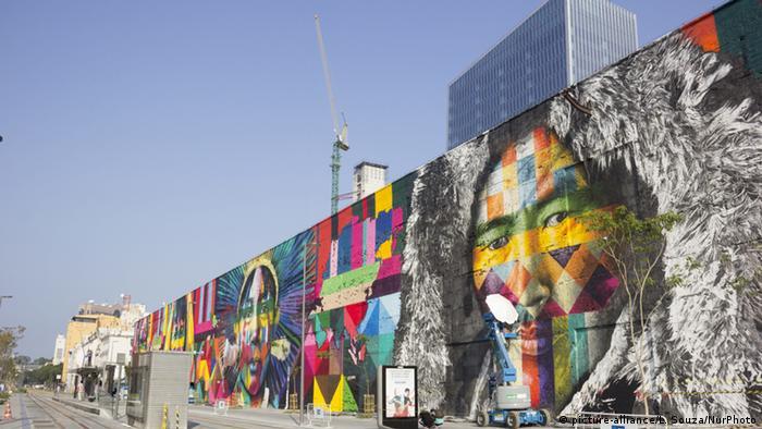 Eduardo Kobra's Rio 2016 graffiti Ethnicities, Copyright: picture-alliance/L. Souza/NurPhoto
