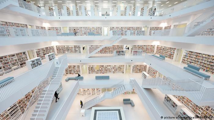 Stadtbibliothek Stuttgart Copyright: picture-alliance/dpa/B. Weißbrod