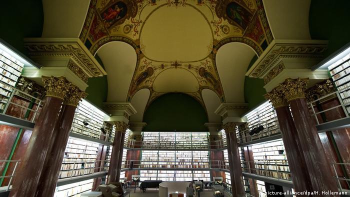 Herzog-August-Bibliothek  Copyright: picture-alliance/dpa/H. Hollemann