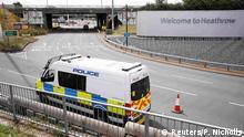 Großbritannien Polizeiwagen am Flughafen Heathrow während Black Lives Matter Proteste