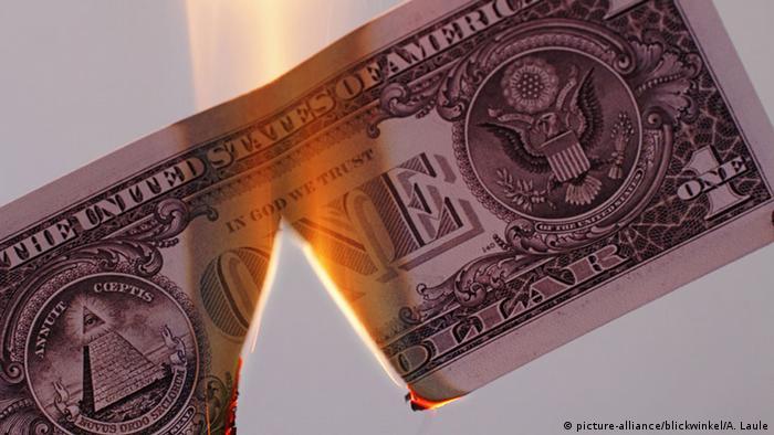 Brennender Dollarschein