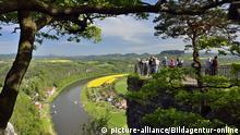 Elbsandsteingebirge, Aussichtsplattform Bastei | Verwendung weltweit, Keine Weitergabe an Wiederverkäufer. Copyright: picture-alliance/Bildagentur-online