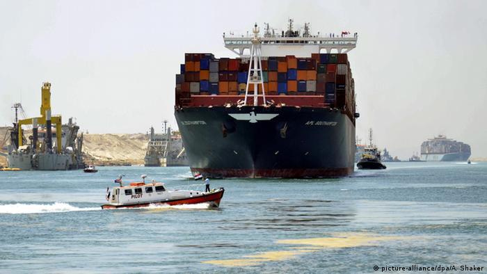 Suezkanal (picture-alliance/dpa/A. Shaker)