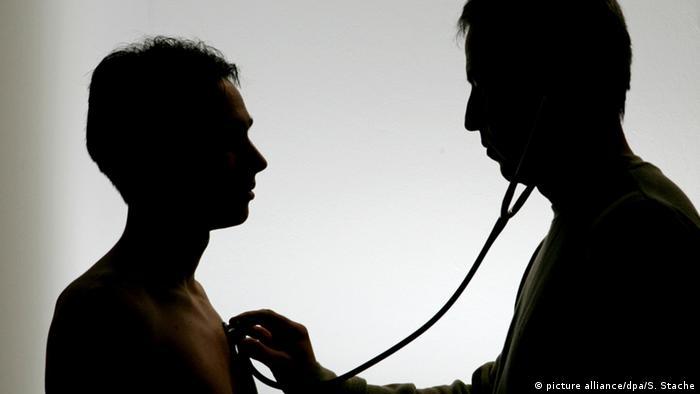 Untersuchung Arzt Patient