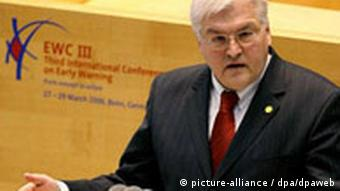Frühwarnkonferenz in Bonn Frank-Walter Steinmeier