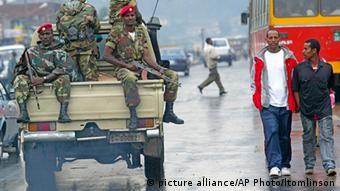 Äthiopien Regierung Soldaten ARCHIV (picture alliance/AP Photo/ltomlinson)