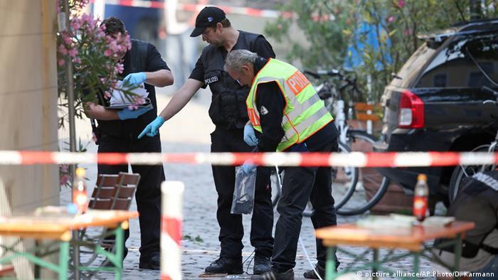 Deutschland Saudi Arabien verspricht Unterstützung nach Anschlag in Ansbach (picture alliance/AP Photo/D. Karmann)