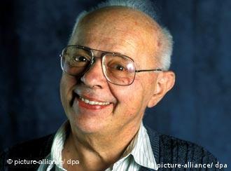 Чому Станіслав Лем (1921-2006) не повертався до Львова? Думки дослідників розділились