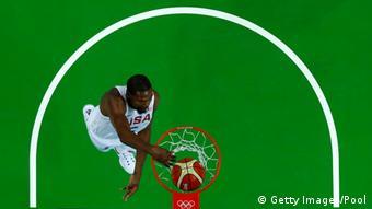 Brasilien Olympische Spiele in Rio - Basketballer Kevin Durant Dunking