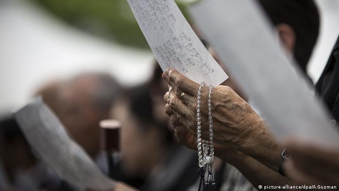 Nagasaki Gedenken an die Opfer der Atombombe Japan