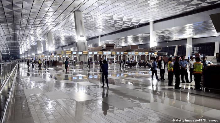 Indonesien Flughafen eröffnet in Jakarta (Getty Images/AFP/B. Ismoyo)