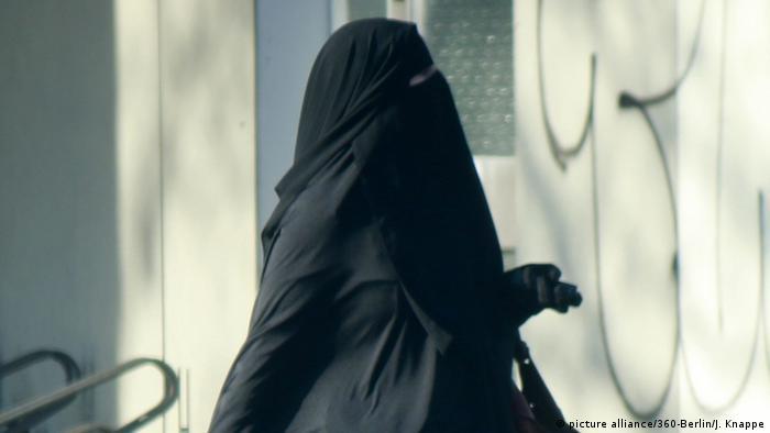 Deutschland Frau in Burka Berlin