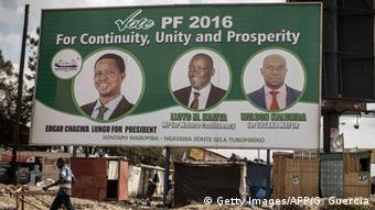 Plakat von Präsident Edgar Lungu (Foto: AFP/Getty Images)