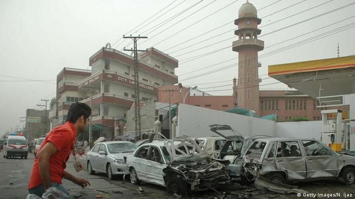 Pakistan Lahore Bombenanschlag auf Moschee mit 82 Toten