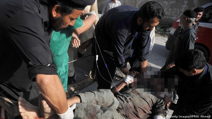 Pakistan Bombenanschlag in Charsadda mit 98 Toten