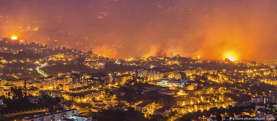 Incêndio florestal em Funchal, na Ilha da Madeira