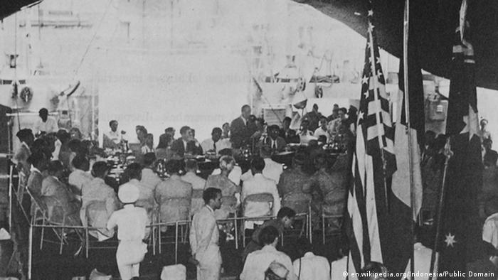 Indonesien Verhandlungen auf der USS Renville 1947