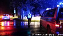 Symbolbild Innere Sicherheit Sperre mit Polizeikontrolle