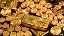 Gold coins and bullion (DW)