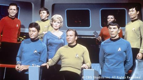Ausstellung 'Things to Come. Science · Fiction · Film' mit Filmstill aus der TV-Serie 'Star Trek' (Foto: CBS Studios Inc. All Rights Reserved)