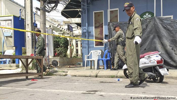 Ermittler in Hua Hin nehmen die Spurensuche auf (foto: AP)