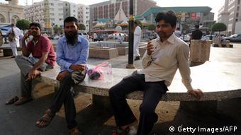 ec8a55557 الاقتصاد السعودي ومأزق التخلص من العمال الأجانب | سياسة واقتصاد | DW ...