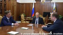 Russland Sergei Iwanow, Wladimir Putin und Anton Vaino in Moskau