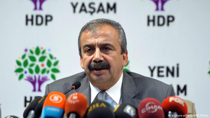 Türkei Sirri Sureyya (picture-alliance/AP Photo)