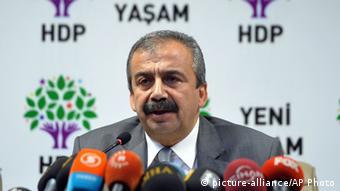 Gözaltına alınanlar arasında HDP eski milletvekili Sırrı Süreyya Önder de var