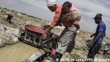 Südafrika Springs illegale Goldmine