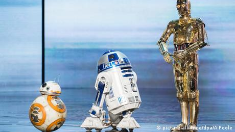 R2D2 BB-8 C3PO (picture-alliance/dpa/A.Poole)