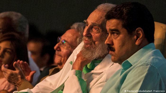 El expresidente cubano Fidel Castro volvió a mostrarse en público el 13 de agosto de 2016, para asistir a la gala cultural que que celebró su 90 cumpleaños en el teatro Karl Marx de La Habana.