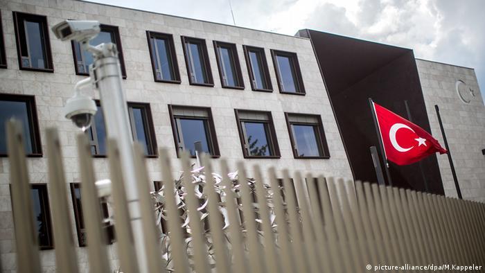 Türkische Diplomaten beantragen Asyl in Deutschland