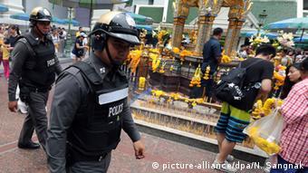 Thailand Verstärkte Sicherheitskontrollen durch die Polizei