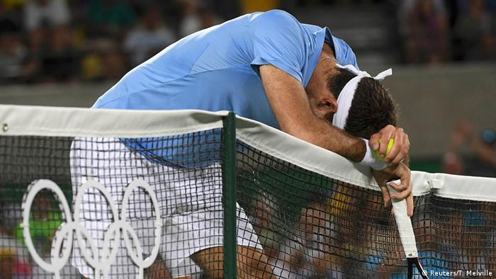 En tenista Juan Martín del Potro lamenta su derrota en la final de Río 2016 ante Andy Murray.