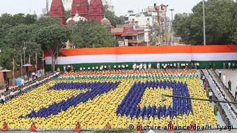 Indien Neu Delhi Schulkinder markieren 70