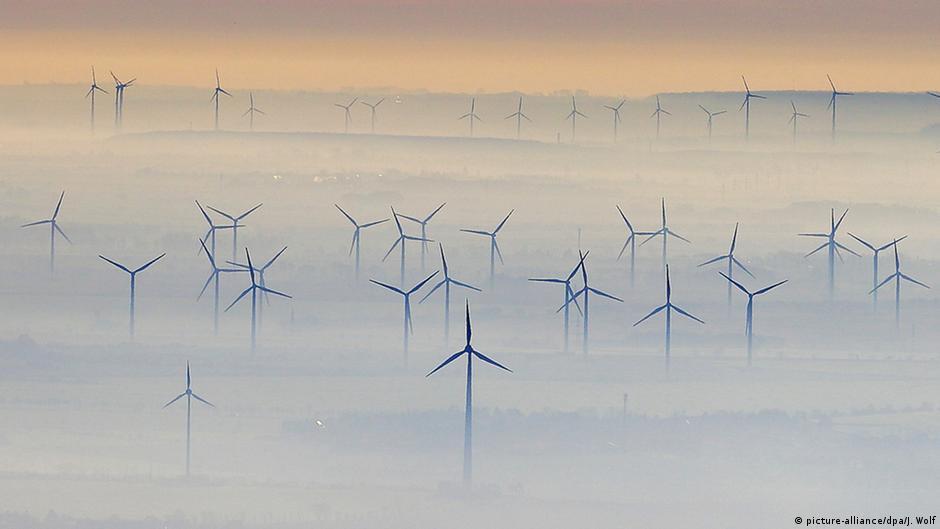 dw.com - Melanie Hall - Wind energy's big disposal problem